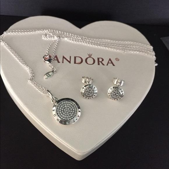 Pandora signature pendant necklace set w/ earrings